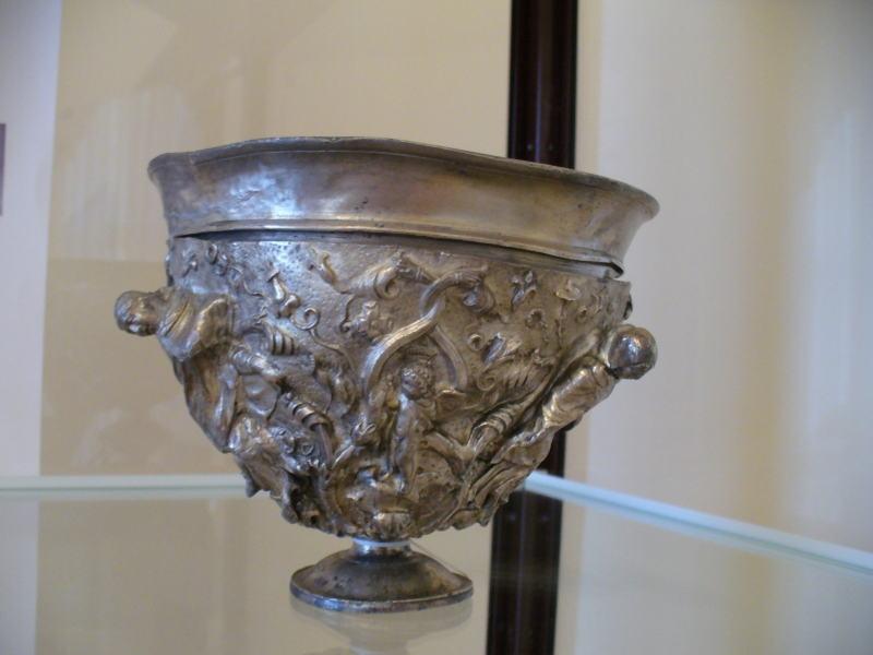 Выставка Античное серебро и холодное оружие