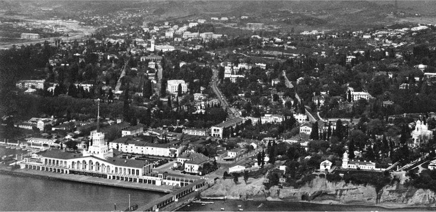 Морвокзал, вступивший в строй в 1955 году
