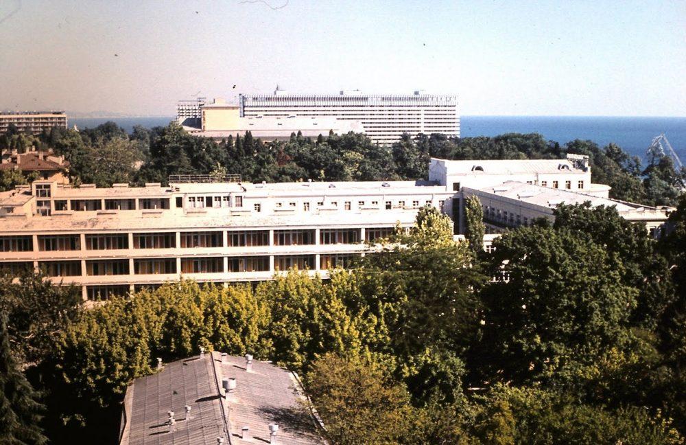 Вид на гостиницу Жемчужина