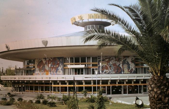 Сочинский цирк. СССР, Сочи, 1974 год.