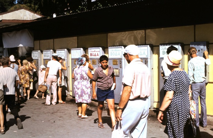 Автоматы с газированной водой. СССР, Сочи, 1974 год.