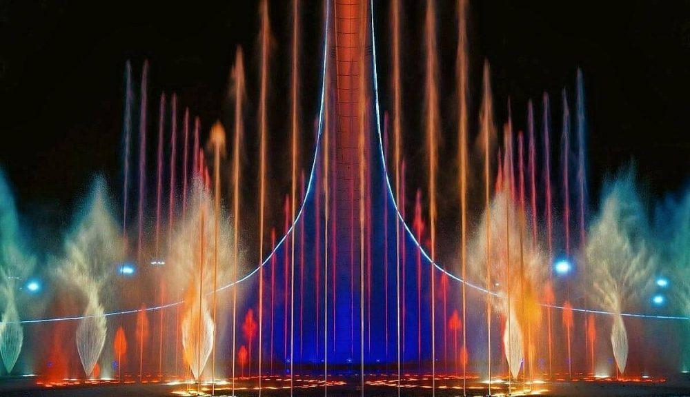 Вечернее шоу фонтанов в Олимпийском парке