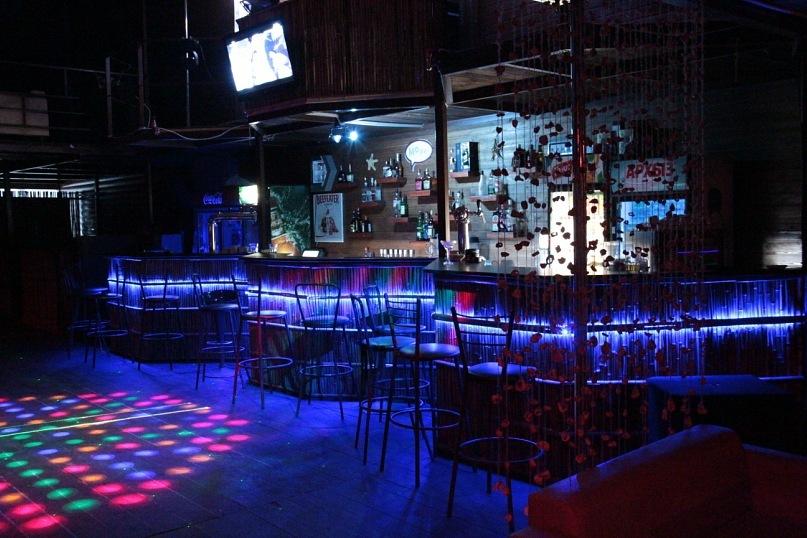 Ночной клуб у моря работа в клубе москва ночной